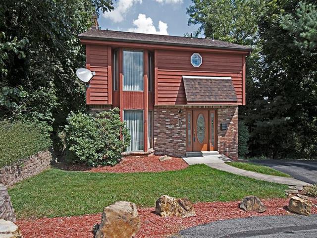 37 Roxbury Rd, Forest Hills Boro, PA 15221 (MLS #1357031) :: Broadview Realty