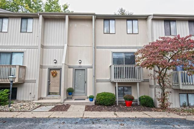 305 Bellwood Ct, Cranberry Twp, PA 16066 (MLS #1364648) :: Keller Williams Realty
