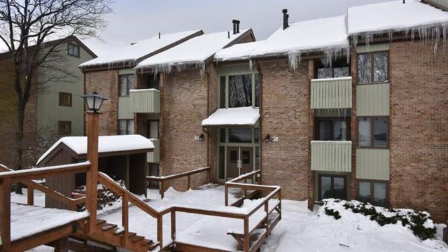 3A3 Mountain Villas, Seven Springs Resort, PA 15557 (MLS #1377719) :: Broadview Realty