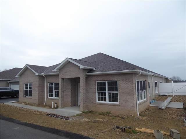 1802 Seminole Circle, Chippewa Twp, PA 15010 (MLS #1471298) :: Dave Tumpa Team