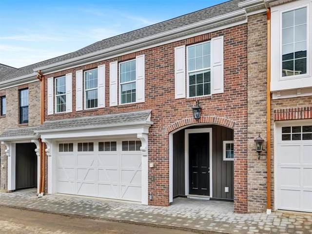 308 Parade Street, Cranberry Twp, PA 16066 (MLS #1473897) :: The SAYHAY Team