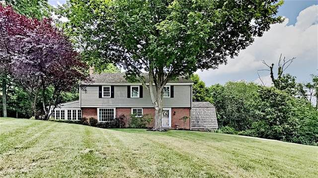 129 Fox Hill Dr, Bell Acres, PA 15143 (MLS #1499869) :: The SAYHAY Team