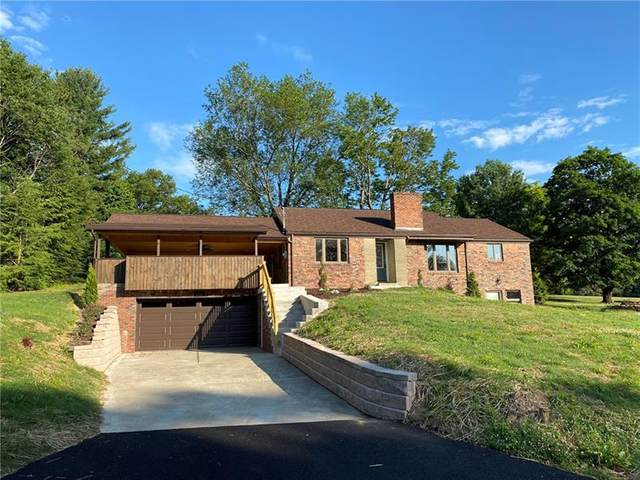 305 North Drive, Hempfield Twp - Wml, PA 15644 (MLS #1450774) :: Hanlon-Malush Team