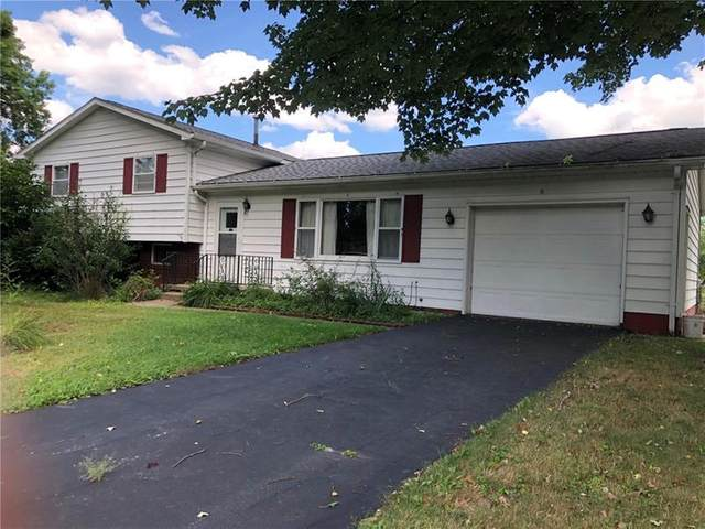 6 Meadow Lane, Hempfield Twp - Mer, PA 16125 (MLS #1459593) :: Broadview Realty