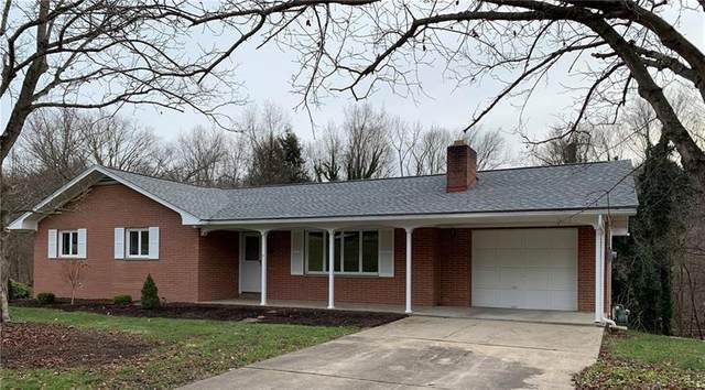 829 Chateau Drive, Ellwood City - Bea, PA 16117 (MLS #1482927) :: Broadview Realty