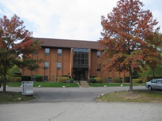 900 Commerce Drive, Moon/Crescent Twp, PA 15108 (MLS #1326077) :: Keller Williams Pittsburgh