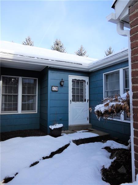 128 Roscommon Place, Peters Twp, PA 15317 (MLS #1328199) :: Keller Williams Pittsburgh