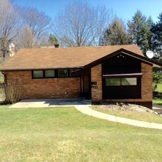 140 Queenston Dr, Wilkins Twp, PA 15235 (MLS #1329666) :: Keller Williams Realty