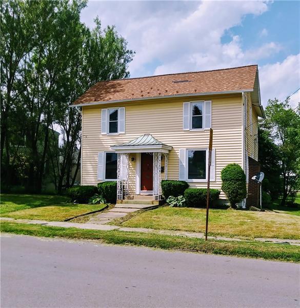337 Jackson St, Grove City Boro, PA 16127 (MLS #1341022) :: Keller Williams Realty