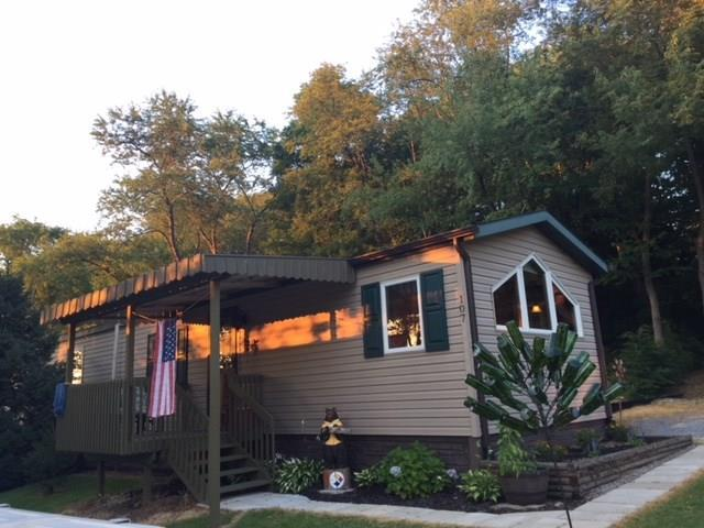 107 Rosewood Ln, Connoquenessing Twp, PA 16053 (MLS #1350546) :: Broadview Realty