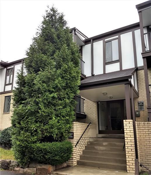 1016 Thornberry Drive, Ross Twp, PA 15237 (MLS #1359950) :: Keller Williams Pittsburgh