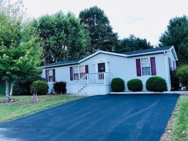 101 Joseph Ln, North Fayette, PA 15057 (MLS #1361847) :: Keller Williams Pittsburgh