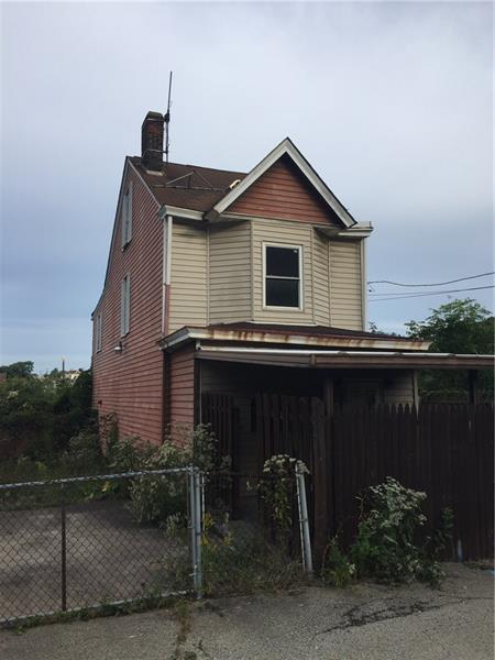 421 Oak St, Braddock, PA 15104 (MLS #1369749) :: Keller Williams Pittsburgh