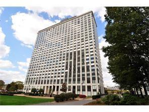 320 Fort Duquesne Blvd 21M, Downtown Pgh, PA 15222 (MLS #1370392) :: The SAYHAY Team