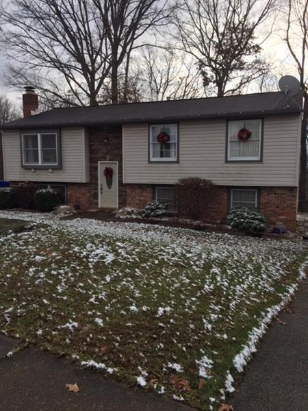 206 Lochinver Drive, Moon/Crescent Twp, PA 15108 (MLS #1372570) :: Broadview Realty