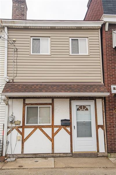 215 Joliet Way, Bloomfield, PA 15224 (MLS #1374634) :: Keller Williams Realty
