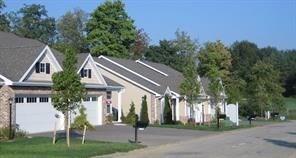 1010 Coronet Lane, Hempfield Twp - Wml, PA 15601 (MLS #1377111) :: Broadview Realty