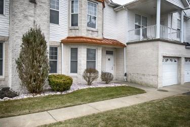 224 Adams Pointe Blvd #1, Adams Twp, PA 16046 (MLS #1380535) :: The SAYHAY Team