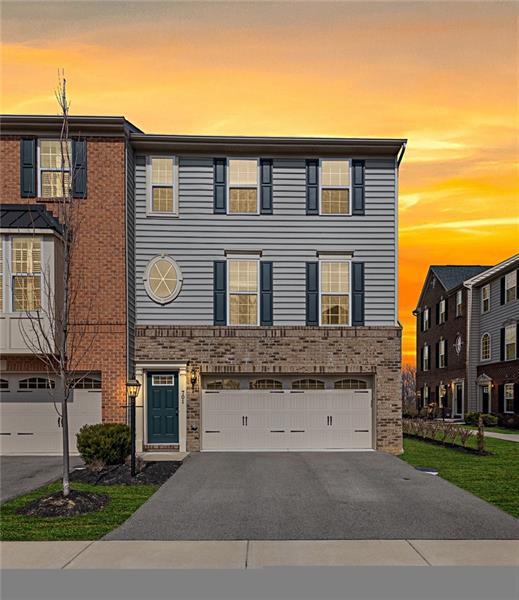 701 Pointe View Drive, Adams Twp, PA 16046 (MLS #1385928) :: Broadview Realty