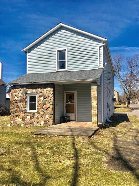 285 Lawrence Ave, Taylor Twp, PA 16160 (MLS #1387100) :: Dave Tumpa Team