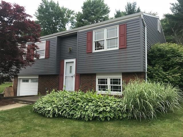 555 Catskill Drive, Plum Boro, PA 15239 (MLS #1388703) :: REMAX Advanced, REALTORS®