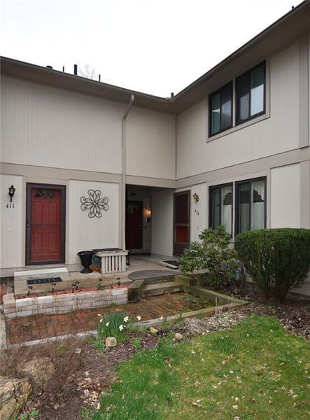 413 Lark Tree Circle, South Fayette, PA 15017 (MLS #1388906) :: Broadview Realty