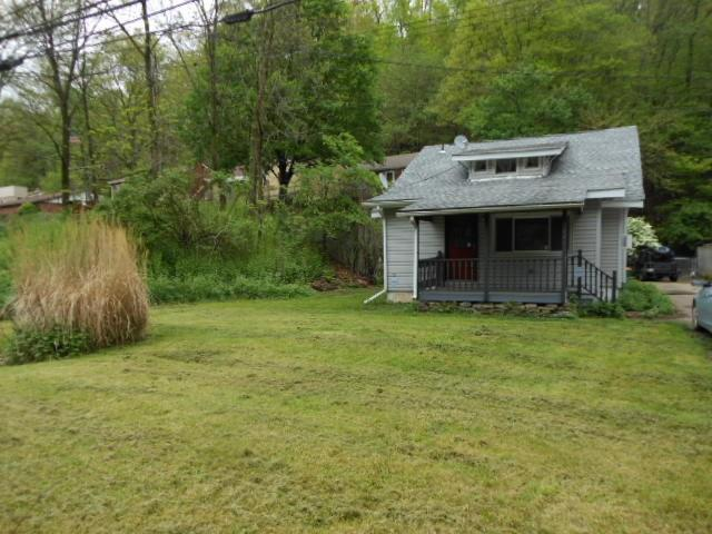 1021 Campbells Run Rd, Robinson Twp - Nwa, PA 15106 (MLS #1395208) :: Broadview Realty