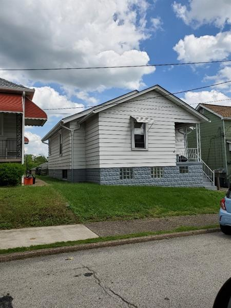 236 Waddell Ave, Donora, Donora, PA 15033 (MLS #1397132) :: Keller Williams Realty