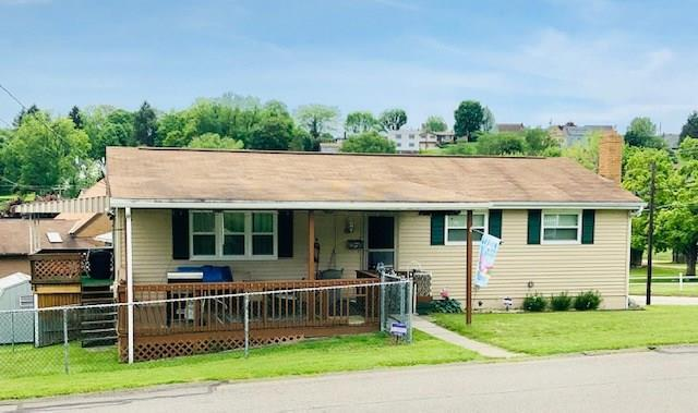 697 Park Ave, Mt. Pleasant Twp - WML, PA 15666 (MLS #1397224) :: Keller Williams Realty