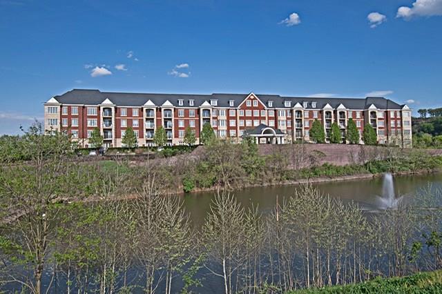 100 Vista Circle #511, O'hara, PA 15238 (MLS #1401588) :: Broadview Realty