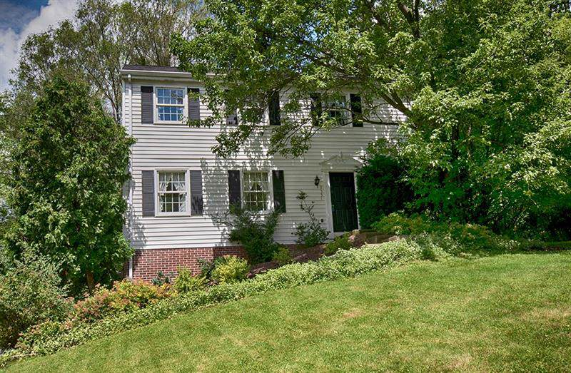 2551 Cole Rd, Franklin Park, PA 15090 (MLS #1402781) :: Broadview Realty