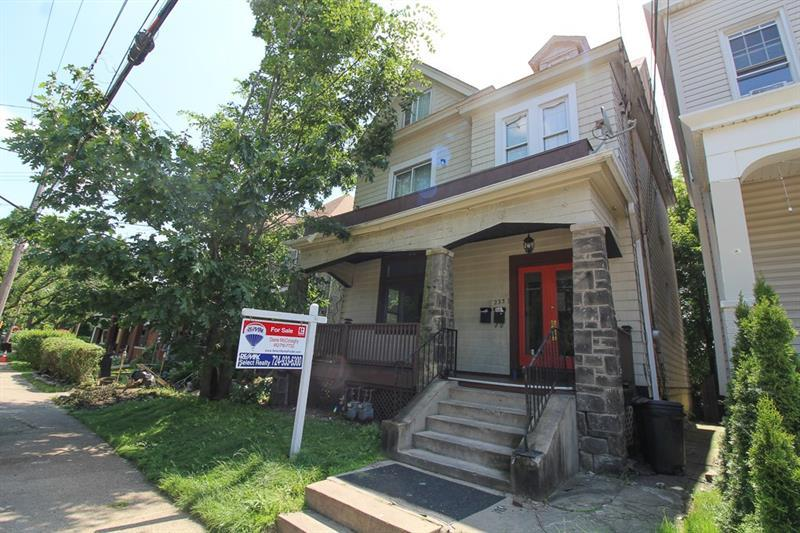 233 Marshall Ave - Photo 1