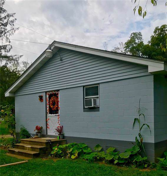 110 Goldenrod Lane, Ligonier Twp, PA 15658 (MLS #1417367) :: Broadview Realty