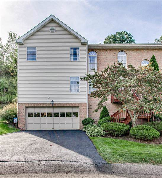 7034 Clubview Drive, South Fayette, PA 15017 (MLS #1417549) :: Dave Tumpa Team