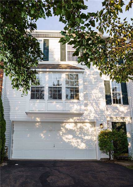6321 Oyster Bay Ct, South Fayette, PA 15017 (MLS #1419162) :: Dave Tumpa Team