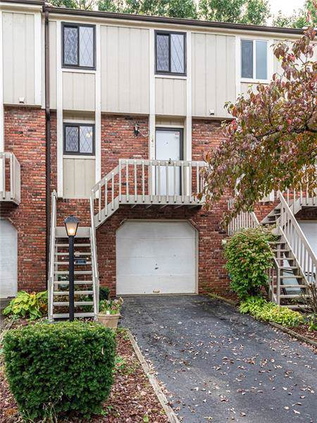 645 Sunset Cir, Cranberry Twp, PA 16066 (MLS #1419530) :: Broadview Realty