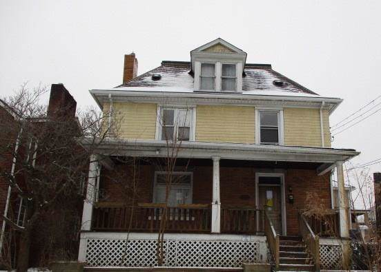 442 Halcomb Ave, Clairton, PA 15025 (MLS #1419727) :: Dave Tumpa Team