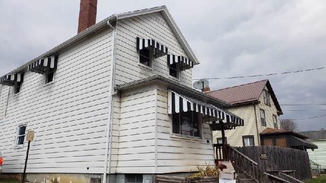 713 8th Ave, Brackenridge, PA 15014 (MLS #1428846) :: RE/MAX Real Estate Solutions