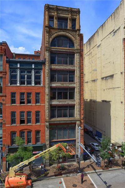 915 Liberty #800, Downtown Pgh, PA 15222 (MLS #1432685) :: RE/MAX Real Estate Solutions