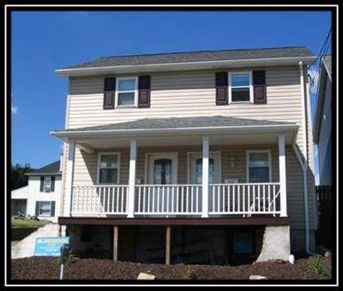 413/415 Green St, California, PA 15419 (MLS #1433563) :: Dave Tumpa Team