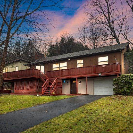 210 Chan Mowr Dr, Middlesex Twp, PA 16059 (MLS #1435601) :: Dave Tumpa Team
