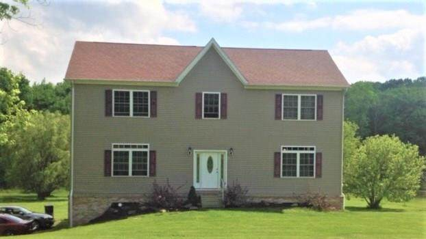 348 Dinnerbell, Penn Twp - But, PA 16002 (MLS #1435972) :: Dave Tumpa Team