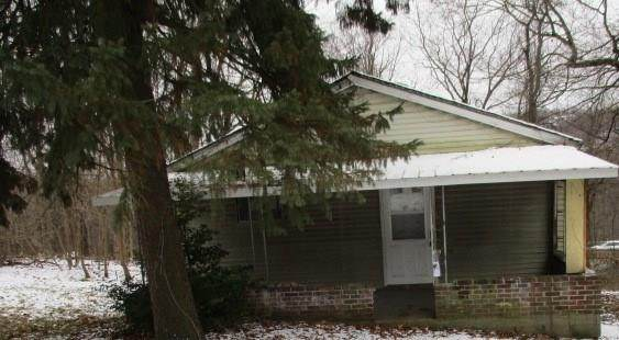 426 Woodlawn Ave, Plum Boro, PA 15147 (MLS #1436787) :: Broadview Realty