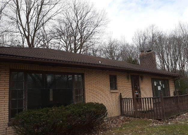 1639 Hofius Ln, Hermitage, PA 16148 (MLS #1442426) :: Broadview Realty