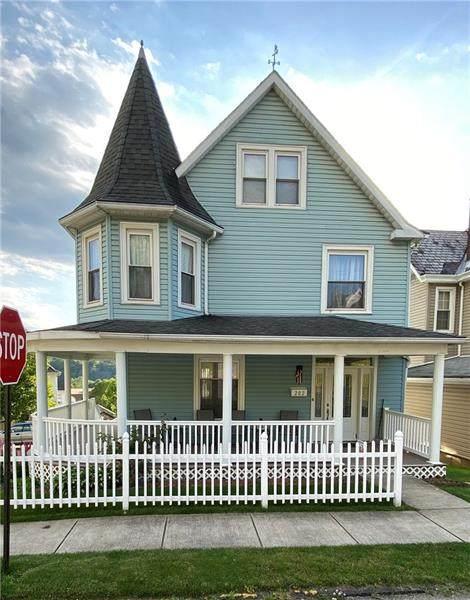 202 Terrace Ave, Apollo Boro, PA 15613 (MLS #1449225) :: Dave Tumpa Team