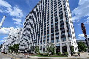 320 320 Fort Duquesne Blvd. 18G, Downtown Pgh, PA 15222 (MLS #1454744) :: The SAYHAY Team