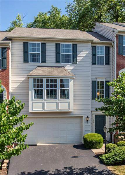 135 Bellefield Ct, Richland, PA 15044 (MLS #1455540) :: The SAYHAY Team