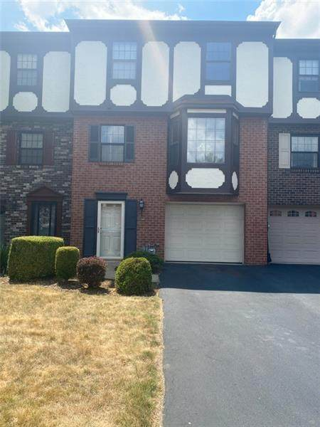 7382 Beacon Hill Drive, Wilkinsburg, PA 15221 (MLS #1455902) :: The SAYHAY Team