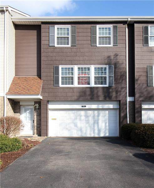 198 Roscommon Pl, Peters Twp, PA 15317 (MLS #1456092) :: The SAYHAY Team