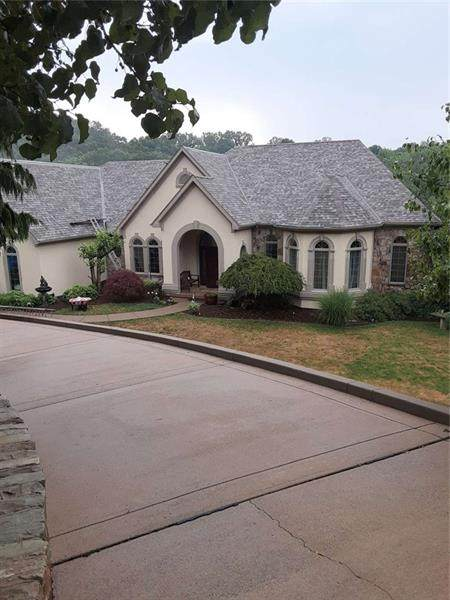 3418 Lashan Drive, Murrysville, PA 15668 (MLS #1460753) :: The SAYHAY Team